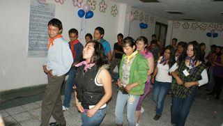 Festejo cumpleaños patrocinado por voluntarios viernes 4 de junio 2010 4
