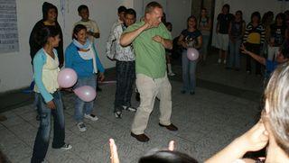 Festejo cumpleaños patrocinado por voluntarios viernes 4 de junio 2010